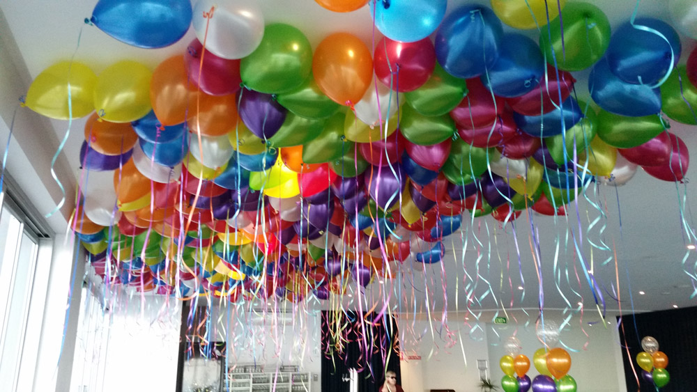 Floating-Helium-Balloons-(6)