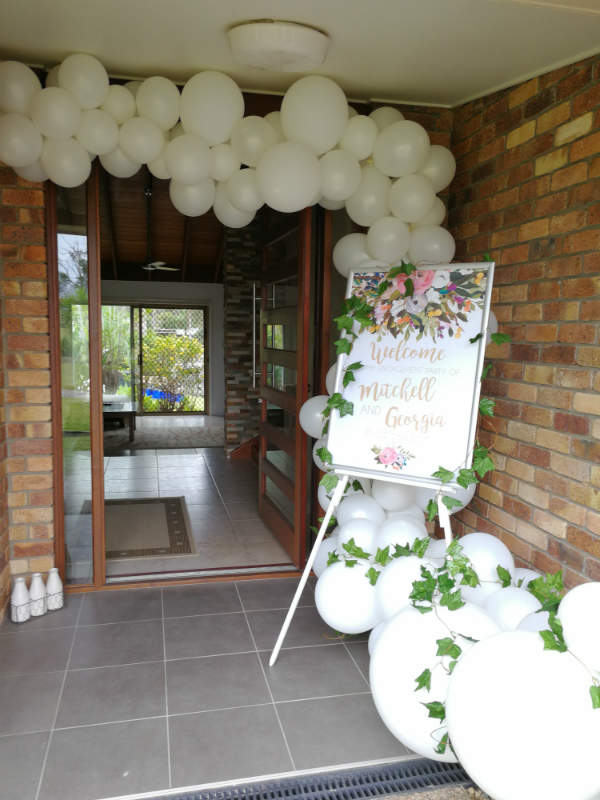 White Organic Balloon Half Arch